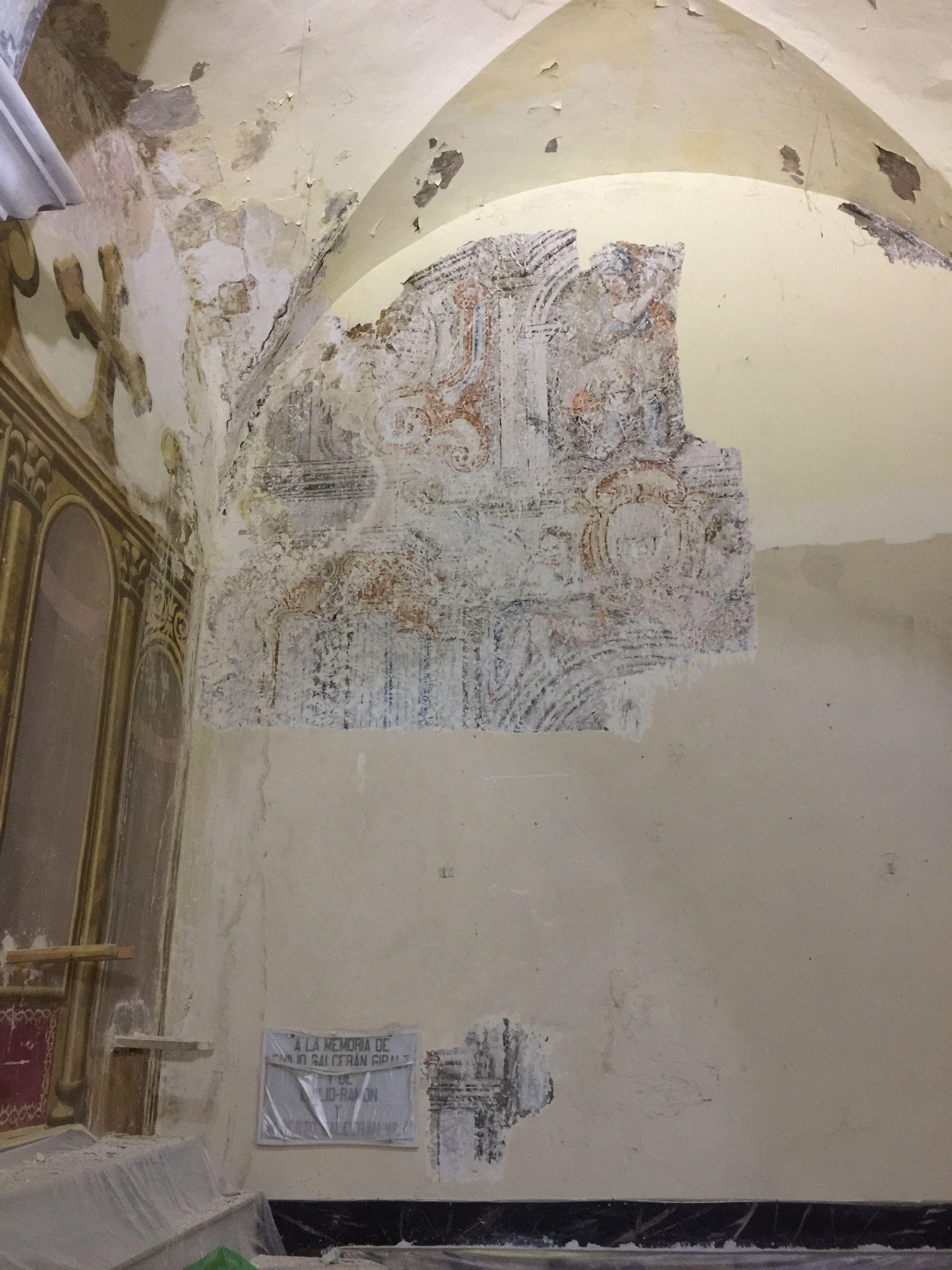 La restauració de l'església de Butsènit posa al descobert pintures murals barroques